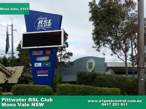 Picture of the Pittwater RSL taken from the adjacent street.