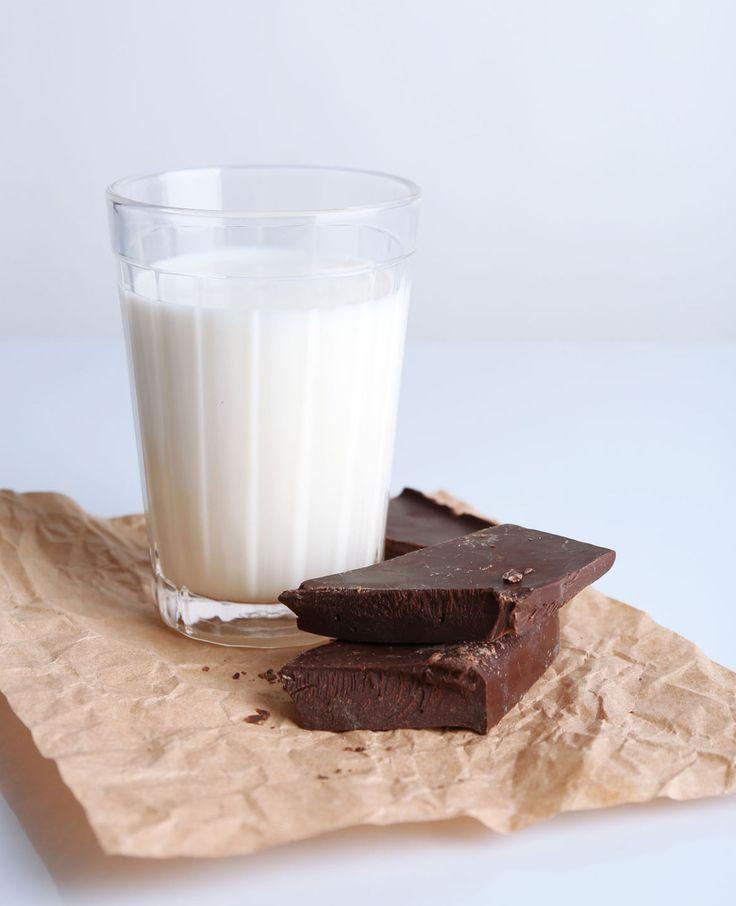 Even opwarmen met dit koude weer? Vijf warme chocolademelk recepten voor heerlijke warme chocomel die je heel makkelijk maakt. | Flairathome.nl #FlairNL
