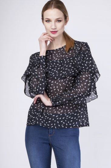 Black delicate blouse with a pattern in the feather.