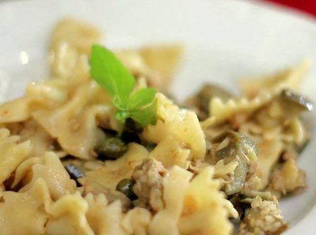 Macarrão Mini Gravata com Cubos de Berinjela, Atum e Tomates <3 um pecado de tão gostoso!  #food #cybercook #receita #recipe #comida #macarrao #pasta #massa #atum #tuna #berinjela