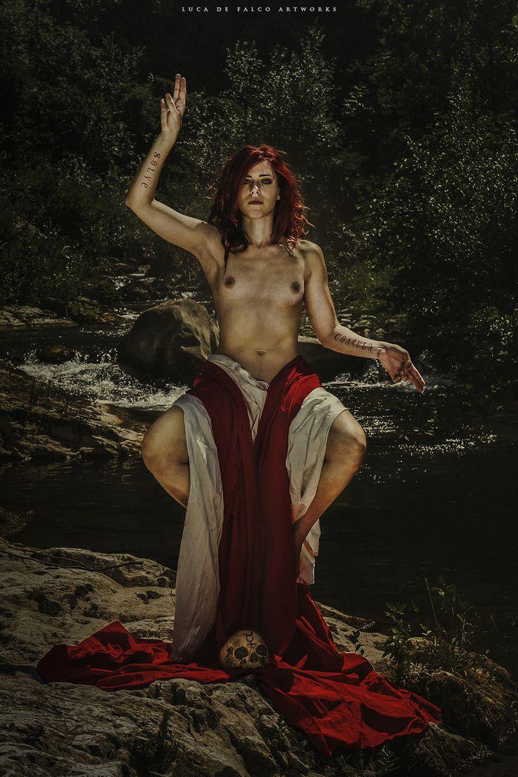 Nude pagan goddesses
