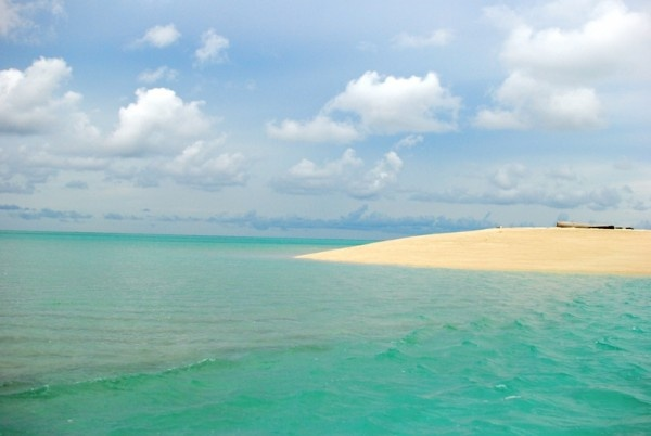 bloody blue water derawan islands indonesia