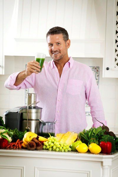Fat Sick & Nearly Dead Joe's Mean Green Juice {his regular}: 1 cucumber  4 celery stalks  2 apples  6-8 leaves kale (Australian tuscan cabbage)  1/2 lemon  1 tbsp ginger