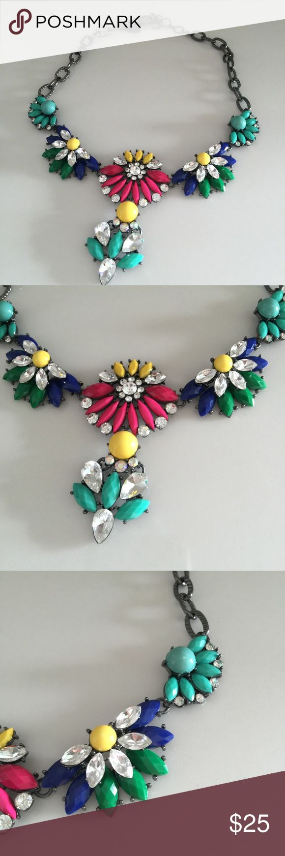 "Delightful Amrita Singh statement necklace Like new. Super lightweight. Adjustable 15""-19"" Amrita Singh Jewelry Necklaces"