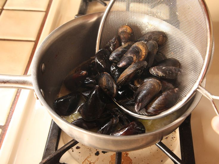 how to prepare mussels from the beach