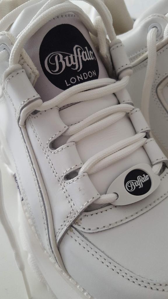 113f73bab2dfc9 Buffalo Classic London weiß Gr. 36 Leder Plateau Sneaker in Stuttgart -  Vaihingen