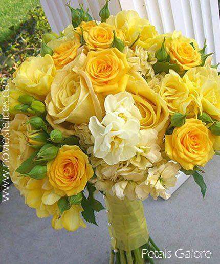 Ramo de novia con rosas amarillas y lisianthus amarillo pálido