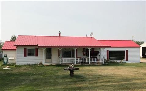 Province: Manitoba  Farm Type: Acreage  Total Acreage: 10.00  #Findyourdreamproperty