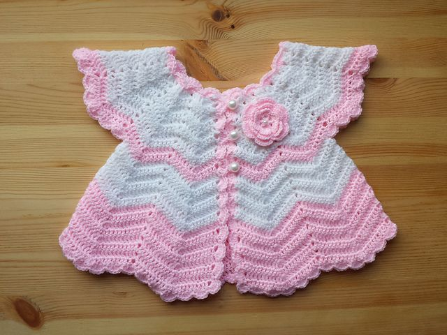 http://crochetcraftsandme.blogspot.co.uk/2014/05/beautiful-crochet-top-with-fantastic.html..100's more free patterns on this blog