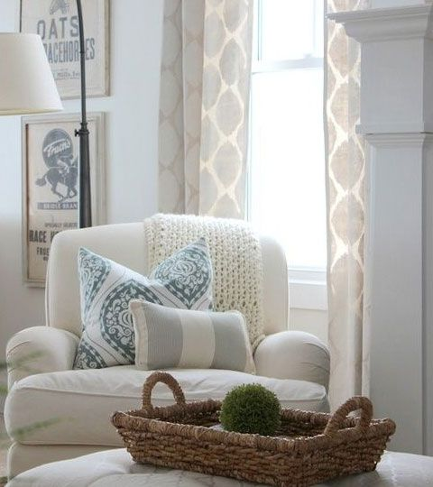 Comfy Living Room Decorating Ideas: Tips On Mixing Patterns With Fabric Successfully
