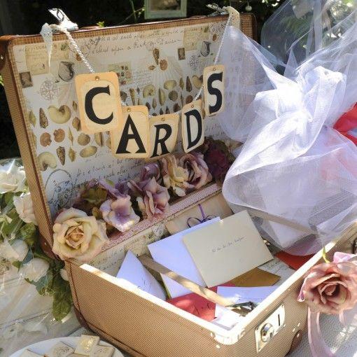 Passt perfekt zum Stil der Hochzeit, sieht schön aus und kann als Aufbewahrung für die Glückwunschkarten verwendet werden. Sehr schön <3