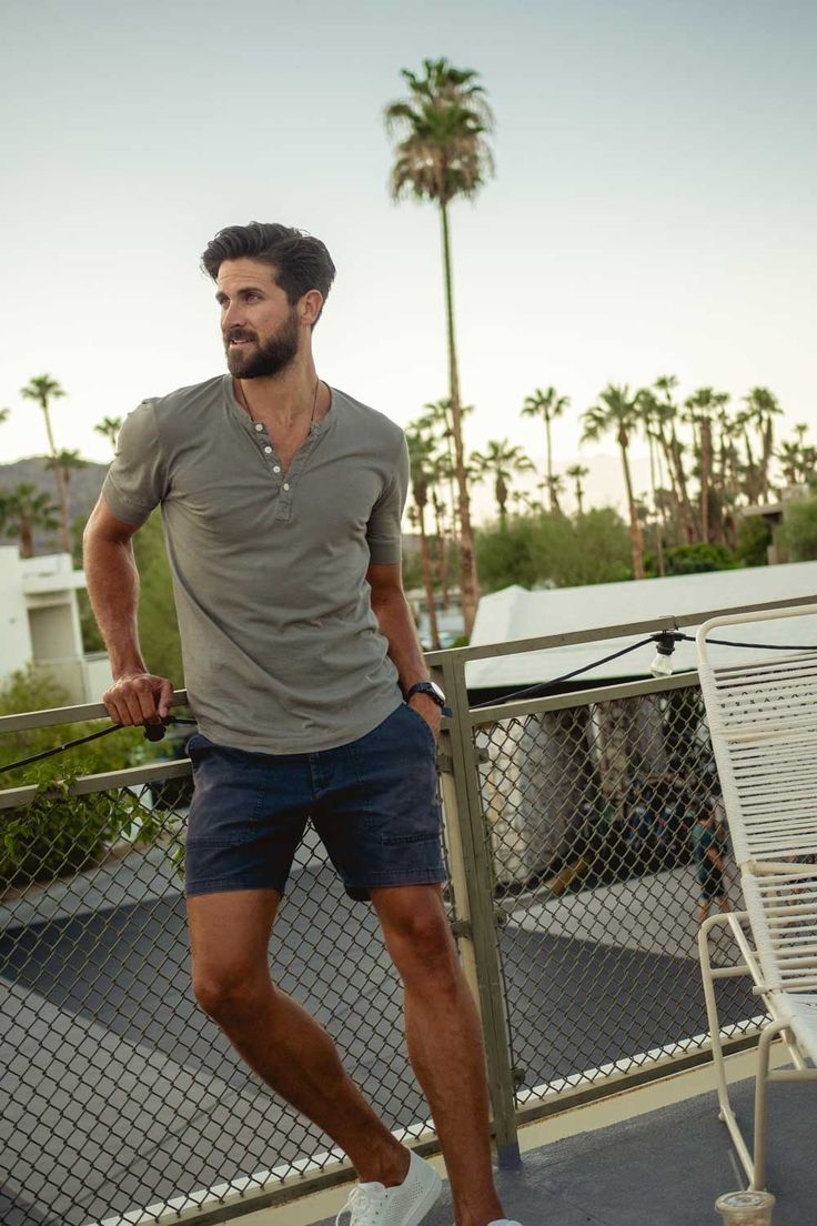 Advanced Style Tip Learning To See The Details That Define Great Simple Summer Style Mens Summer Outfits Summer Outfits Men Trendy Mens Fashion