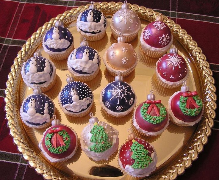 Christmas Ornament Cupcakaes