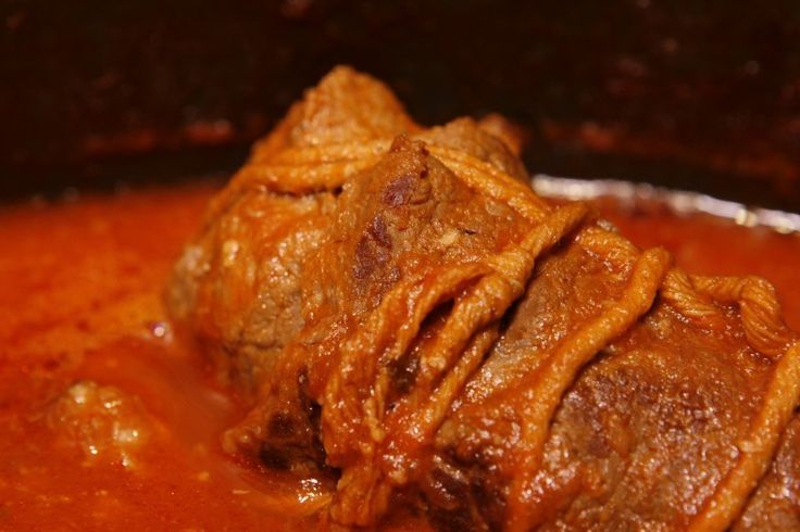 This is it, the sauce that won the 2010 Super Sunday Gravy Throwdown (you can watch it made in Episode 4) Meatballs ½ lbs ground beef ½ lbs ground pork ½ lbs ground veal ½ cup panko (Japanese bread...