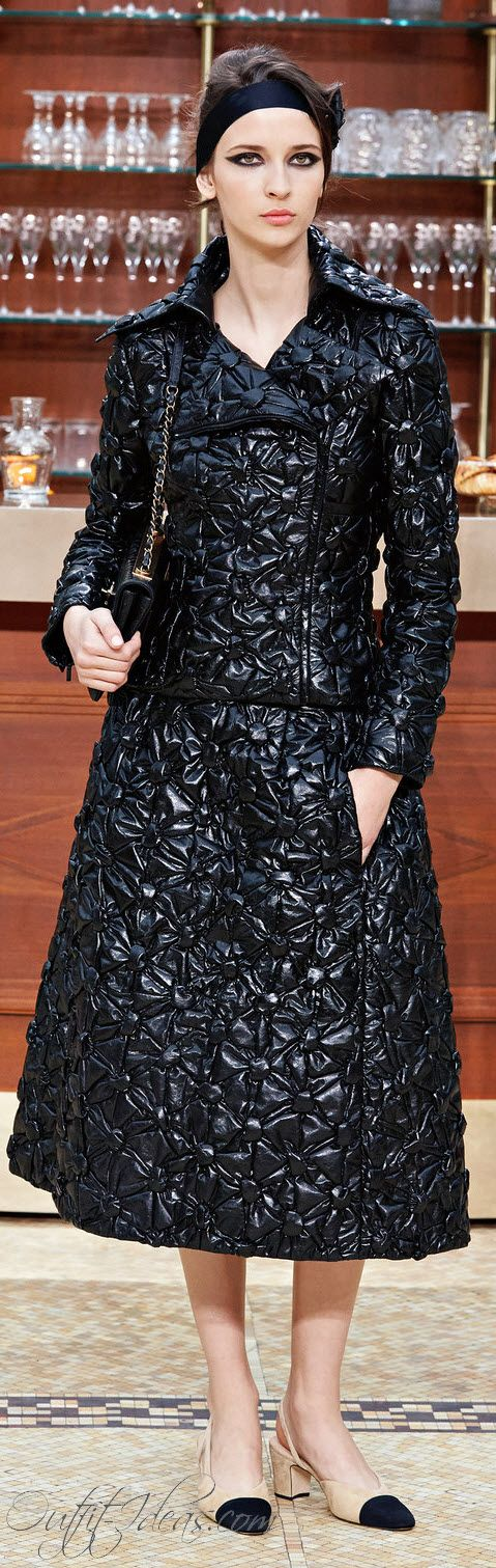 CHANEL READY TO WEAR FALL WINTER 2015 - 2016 PARIS http://OUTFIT-IDEAS.COM