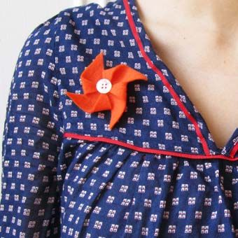 DIY : make a origami mill brooch or headband / un moulin origami en feutrine pour faire une broche / un headband