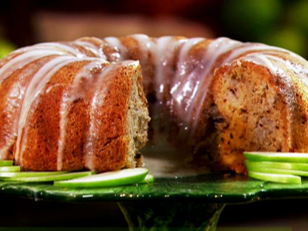 Wonderful apple cake for breakfast/brunch. No need for glaze. Helpful hints: sub applesauce for oil and reduce sugar for healthier version.