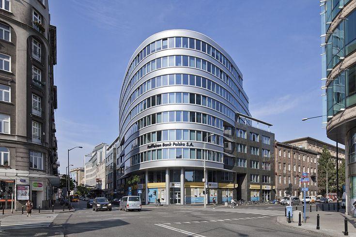 SIEDZIBA RAIFFEISEN BANK POLSKA - HRA ARCHITEKCI
