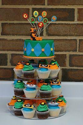 Robot cake: Robots Parties, Tara Cupcakes, Birthday Parties, Robots Cake, Robots Birthday, Parties Ideas, Robots Cupcakes, Cupcakes Rosa-Choqu, Birthday Ideas