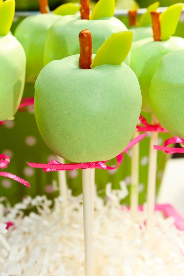 Apple of my eye themed birthday party. Cake pops