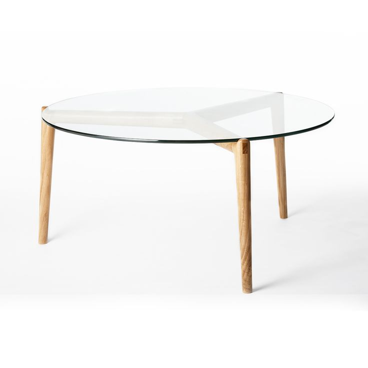 Lex Stobe Coffee Table with Glass Top in Oak.