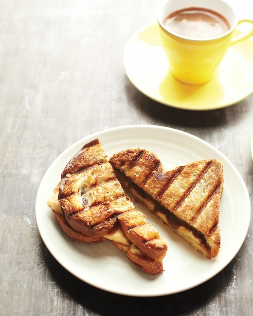 banana panini with chocolate and hazelnut spread.