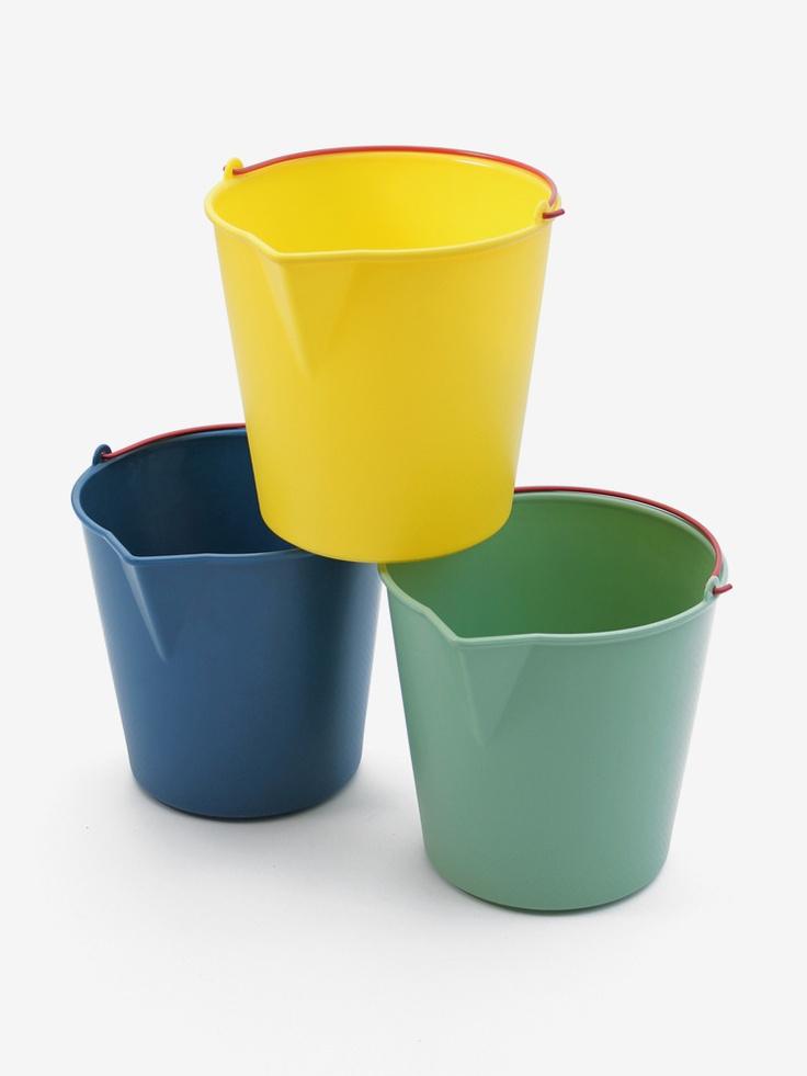 New Drop Bucket designed by Sylvain Willenz for Xala.