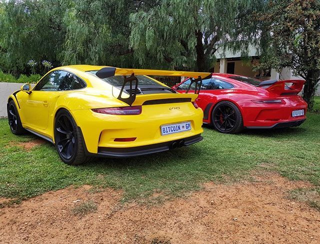 Dangerous duo from Zuffenhausen joined the @sa_torque run today!   Photo via @iamvitale   #ExoticSpotSA #Zero2Turbo #SouthAfrica #Porsche #991 #GT3RS #GT3 #RacingYellow #PTS