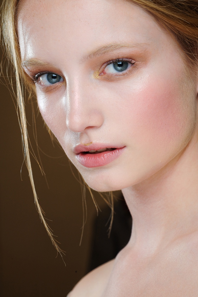 Gorgeous makeup. (Valentino Fall 2011 Couture Backstage)