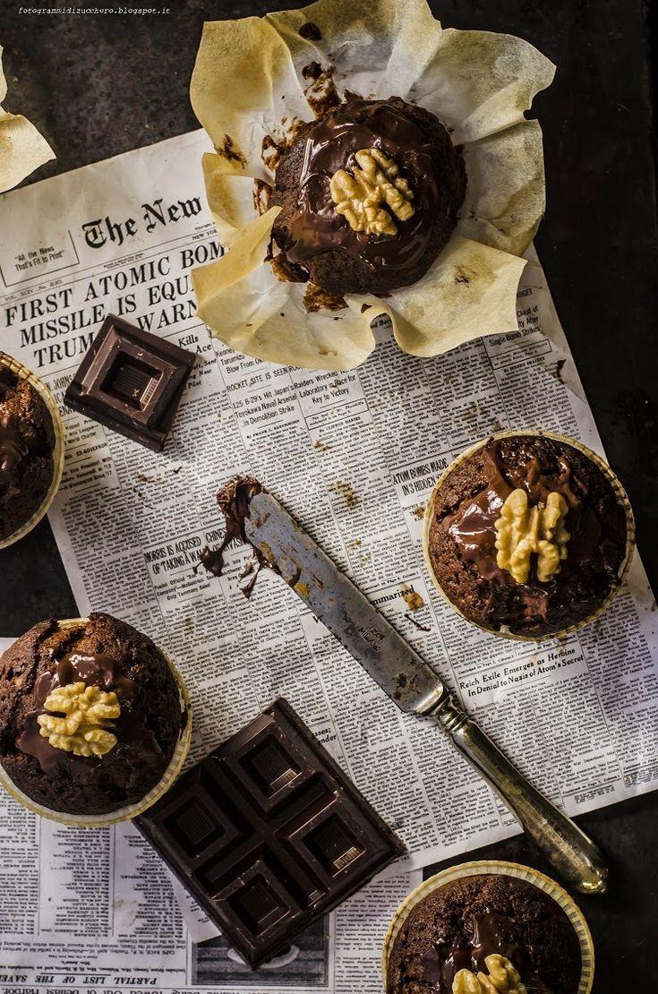 muffin al cioccolato e noci/ chocolate and nuts muffins.