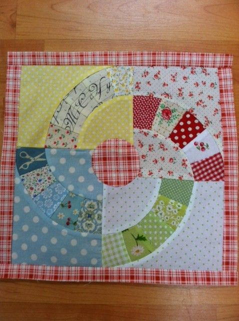 Tutorial for this block may be found here ... http://charisecreates.blogspot.com/2013/02/lethas-electric-fan-vintage-block-quilt.html