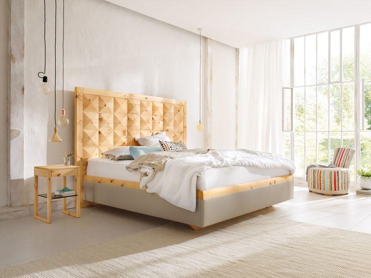 doppelbett massivholz zirbe hohes kopfteil bei. Black Bedroom Furniture Sets. Home Design Ideas