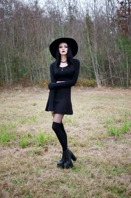 #GothicFashion #GothicOutfit