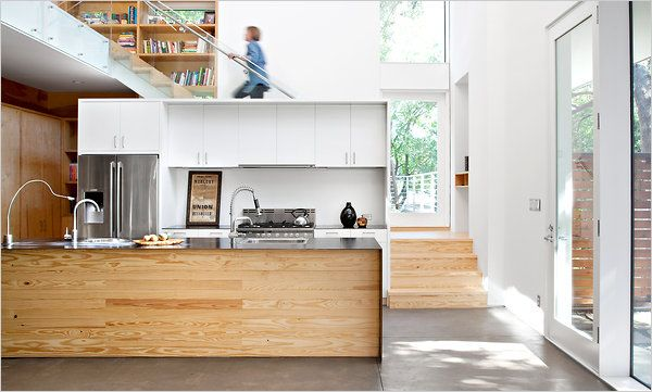 On Location - An Austin, Tex., Architect Turns Builder to Get a House Done - NYTimes.com