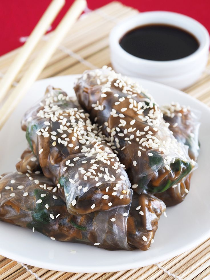 Mushroom Rice Paper Rolls - bake or crisp mushrooms inside to imitate stateside spring rolls