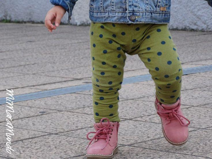 Детские леггинсы для роста 80-86. Рассчитаны на подгузник. Для пошива на 92, и худеньких детишек 98 просто удлиняем штанины =)