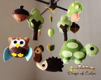DIY Felt Nursery Wood Forest Crib Animal Baby Mobile - kids crafts, homemade baby mobiles