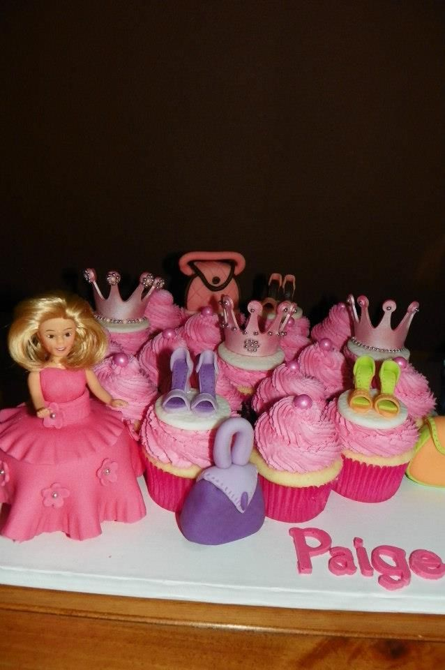 Barbie Cupcakes...edible shoes and purses