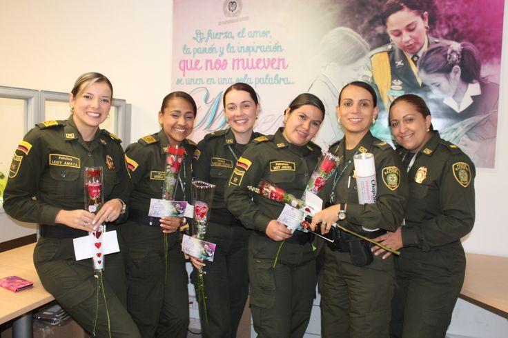 Celebración día de la mujer . Policía Nacional de los Colombianos