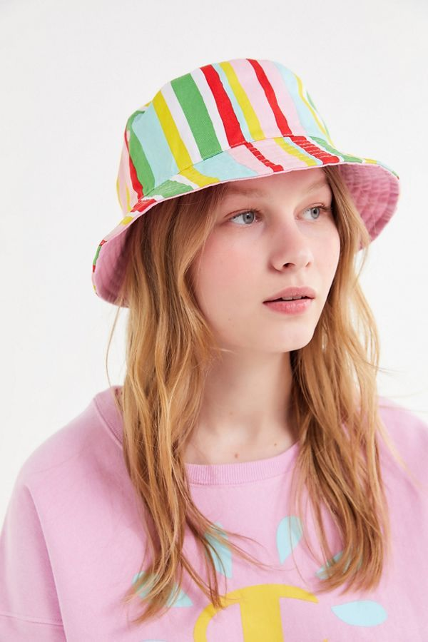 eaac20962 Champion X Susan Alexandra UO Exclusive Reversible Bucket Hat in 2019 |  Accessorize | Hats, Bucket hat, Fashion