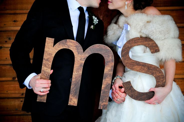 Wood letters by Naturally Chic | www.naturallychic.ca | Photo by www.f8photography.com. #woodletters #weddingsigns #emeraldlakewedding