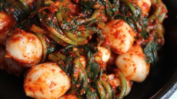 Maangchi.com all about cooking korean foodKorean Food, Asian Food, Ponytail Kimchi, Korean Kimchi, Chonggak Kimchi, Korean Recipe, Korean Dinner, Cooking Korean, Korean Dishes