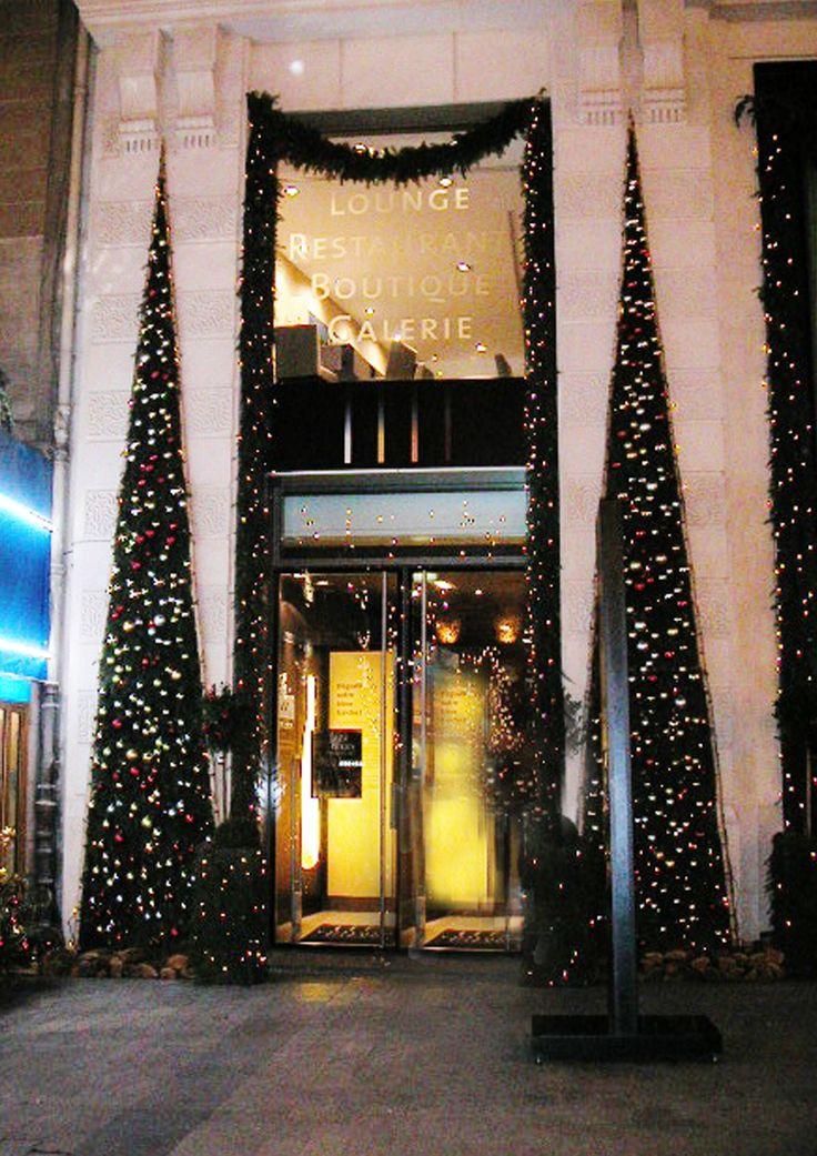 Christmas decoration by Un peu, beaucoup... Paris, France Décoration de Noel by Un peu, beaucoup... Paris, France #christmas #noel #winter #hiver #decoration #déco #inspiration #christmastree #sapin #magic #elegant #rustic #cosy #interieur #interior #home     http://www.unpeu-beaucoup.com/  