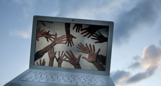 Artículo en el que, Cristina García y yo hablamos a través de AERCO-PSM: Las redes sociales y el 'low cost' provocan el desconcierto entre las marcas http://tecnologia.elpais.com/tecnologia/2014/07/24/actualidad/1406190076_356909.html