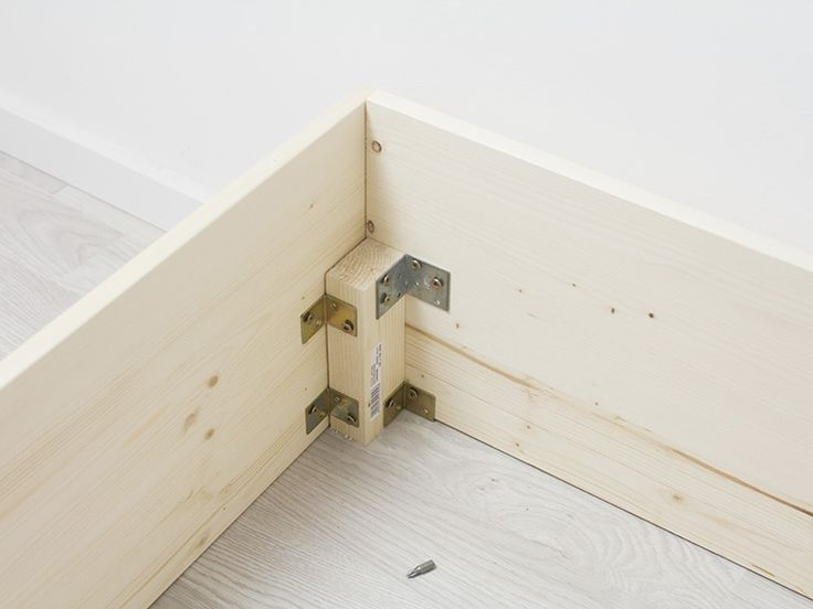 DIY-Anleitung: Bett im skandinavisch schlichten Stil bauen via DaWanda.com