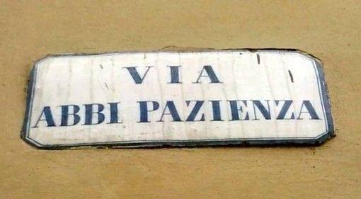 Een geduldige straathoek in Pistoia | Pistoia | Ciao tutti - ontdekkingsblog door Italië