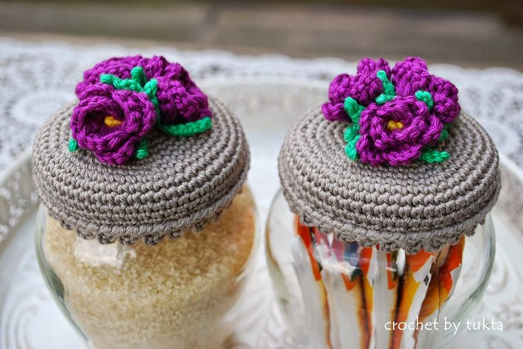 Crochet by Tukta: purple flowers...These are great crocheted covers with flowers for the top of canning jars;or just to make any jar pretty!....free chart!