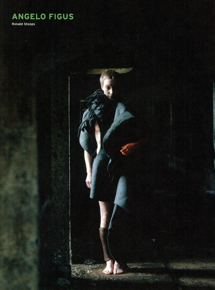 Angelo Figus photography ronald stoops Mode 2001 Landed-Geland, Flanders Fashion Institutecurator walter van beirendonck