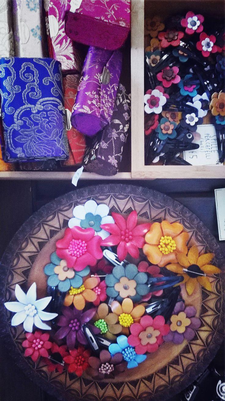Fermacapelli e porta rossetto - Frida Creazioni