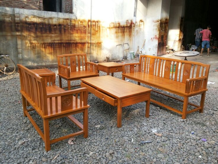 Set coffe table, hang out with our family
